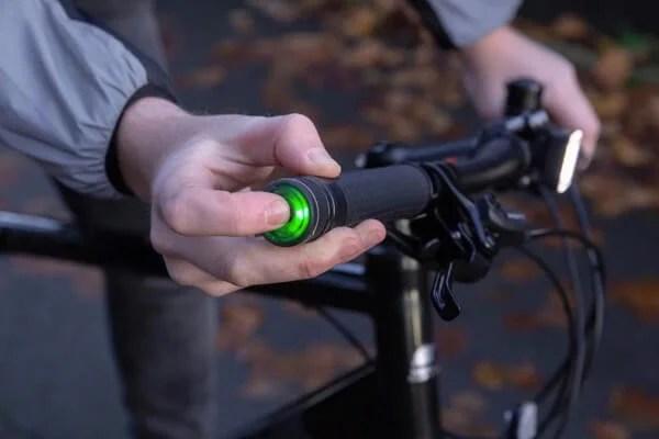 冬の自転車にオススメの暖かいグリップ!