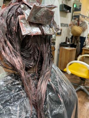 【大阪】明るくてと白髪が染まる!?白髪ボカシハイライトで作る大人のピンク系カラー