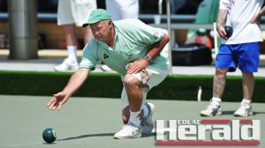 Bowls skipper Graeme Fitzgerald and his Camperdown Golf teammates have won four of their opening five matches.