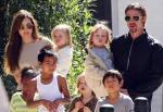 Angelina Jolie no tiene control sobre sus hijos, según Brad Pitt