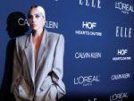 Lady Gaga está 'comprometida' y recuerda abuso sexual a los 19