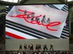 Estrellas rinden espectacular homenaje en París a Karl Lagerfeld