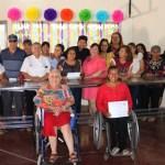 Personas con discapacidad y adultos mayores, concluyen curso de gastronomía mexicana.
