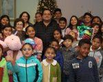 """COMPARTE FAMILIA DE GOBERNADOR LA TRADICIONAL ROSCA DE REYES EN LA """"CIUDAD DE LOS NIÑOS Y NIÑAS"""""""