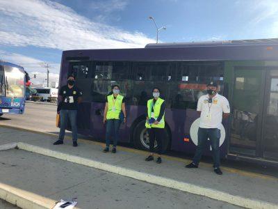 Inspectores verifican que se cumplan las medidas sanitarias en el Transporte Público de Los Cabos
