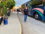 Gobierno de Los Cabos continúa con la entrega de cubrebocas en paradas de Transporte Público