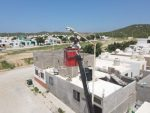 Personal de Servicios Públicos trabaja en la rehabilitación del alumbrado público en Los Cabos