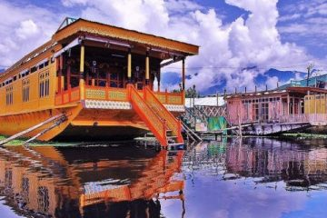 Houseboat_Dal_Lake_Srinagar_Kashmir