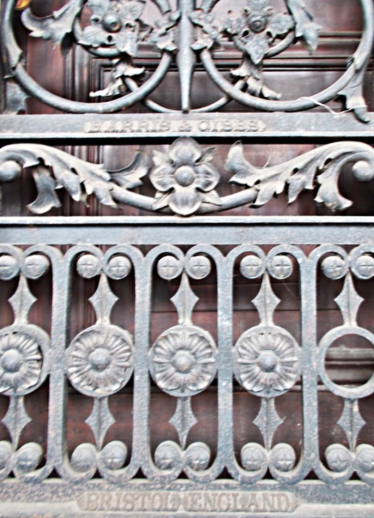 iron-gates-outside-currency-building