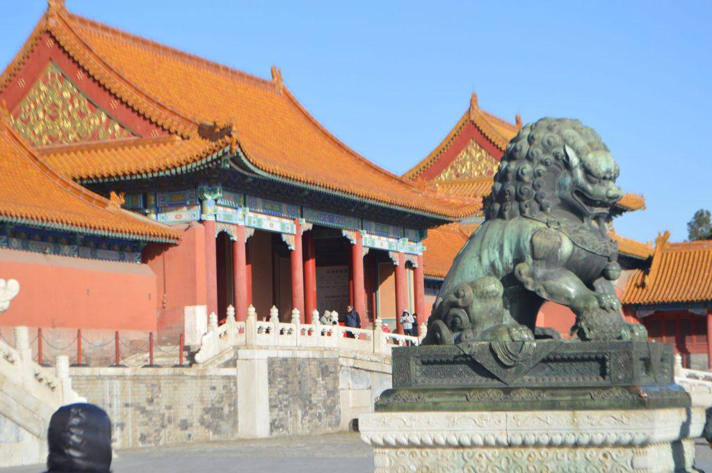 León chino en la Puerta de la Suprema Armonía