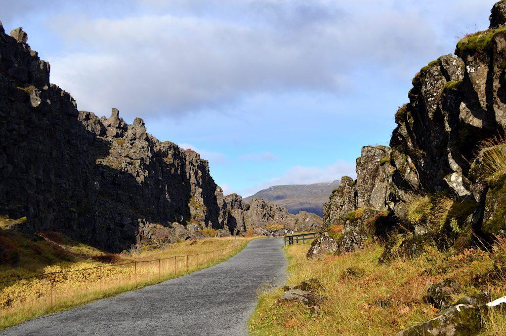 Separation of tectonic plates at Þingvellir