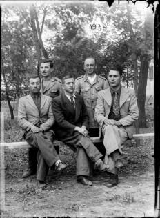 3 imagini: portrete. 1938