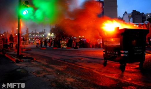 2014.4.2-Movilización y represión en el cospelazo-M.A-2