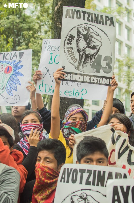 2015.09.26-marcha-ayotzinapa-09