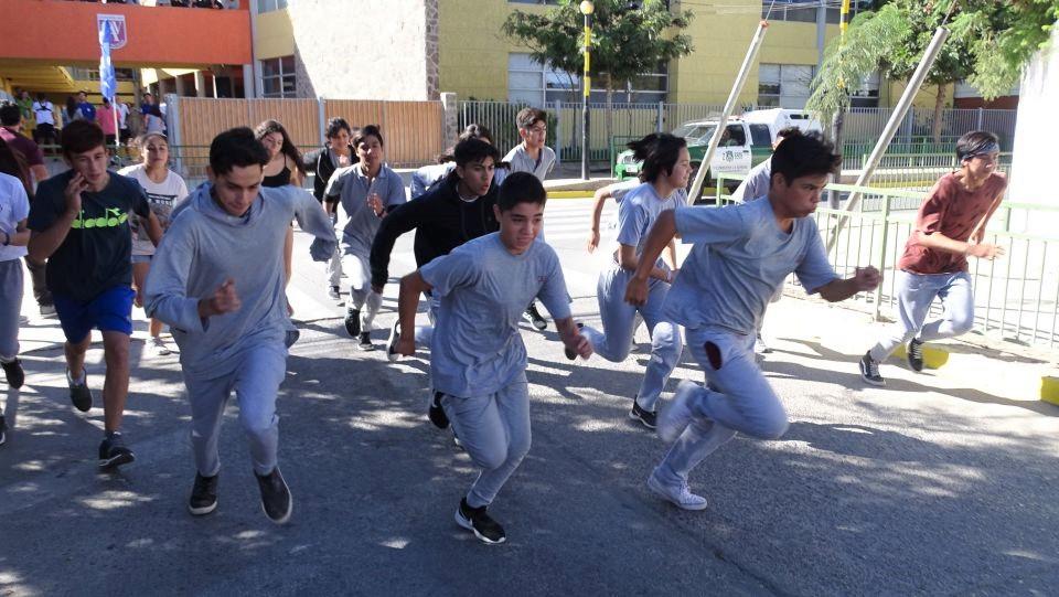 Alumnos Varistas destacan en  Primera Corrida por las calles de Vicuña