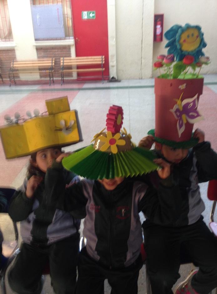 C:\Users\DIRECTORA\Desktop\fotos\fotos_2014_colegio-UTP\desfile sombrero párvulo\IMG_1829.jpg