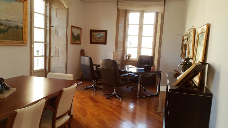 Despacho-privado-campus-stellae