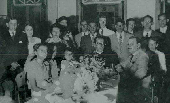 Formatura-de-Walter-Alves-Baracho-e-Colegas-como-paraninfo-o-Padre-Celso-de-Carvalho-–-14-12-1946