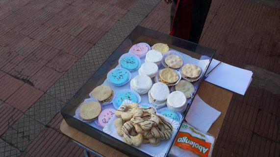 empolvados y dulces chilenos del stand de Cuarto básico