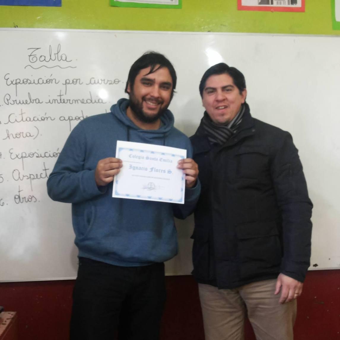 Profesor Ignacio: responsable, discreto y reservado, dedicado a trabajar y potenciar el talento musical de sus alumnos..