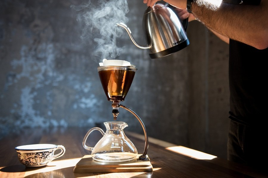 Brewing Coffee Manually with Pour Over Coffee Maker