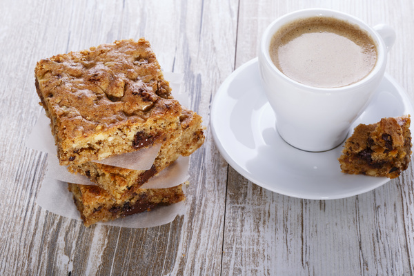 blondie brownie with walnuts and chocolate
