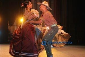 triunfa-ballet-folklorico-en-el-auditorio-telmex_c