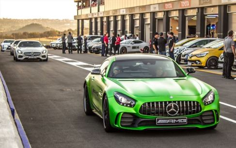 1-all-the-major-oems-on-display-and-on-track-at-the-kyalami-grand-prix-circuit_880x500