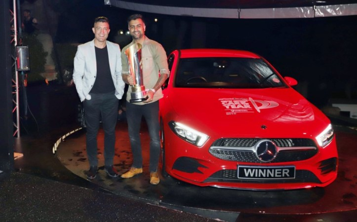 AutoTrader SA COTY 2019 Winner_ Mercedes-Benz A-Class_ George Mienie, AutoTrader CEO with Mayur Bhana, MB Cars Brand Marketing Manager - Mercedes-Benz SA