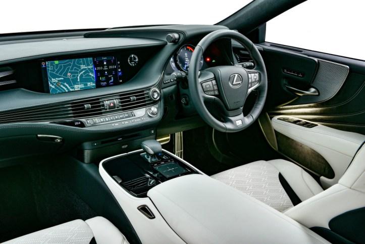 Lexus LS500 F-Sport_092