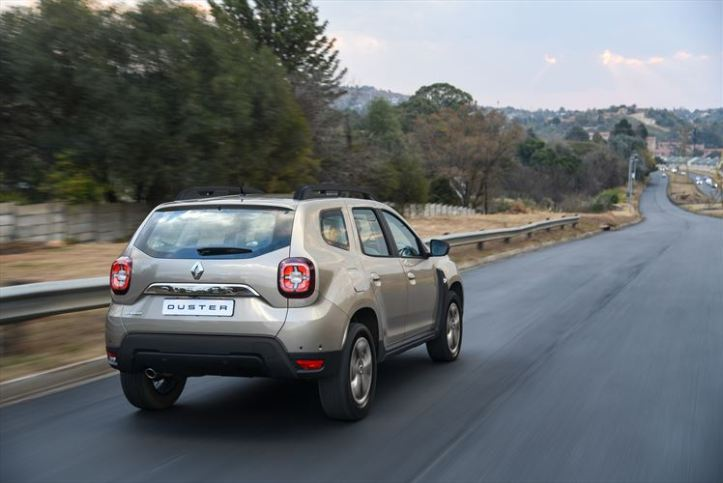 renault-duster_dynamique-4x4-ext-rear-road_880x500