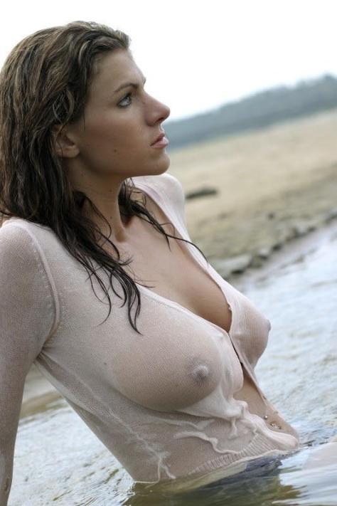 wet-tshirt-xxx (13)