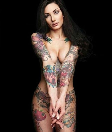 Gostosas tatuadas