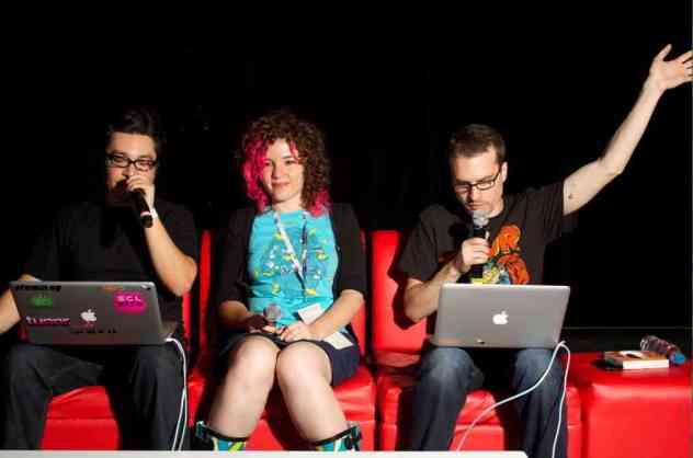 Plaqueta, Akira y Leo Lambertini Aldea Digital
