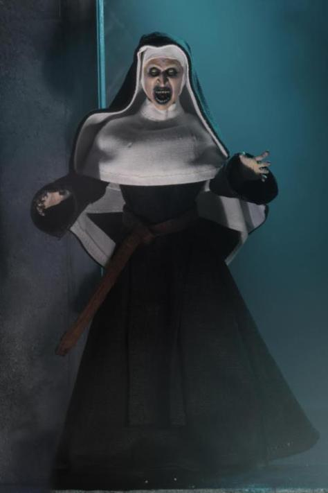 The-Nun-Valak-Figure-by-NECA-4