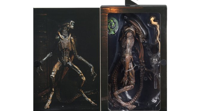 The Ultimate Dog Xenomorph from Alien 3 is almost ready to ship!