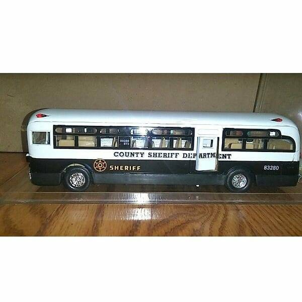Cool Diecast Sheriff Bus side view 2