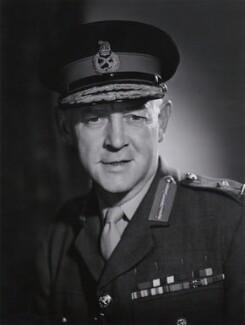 Sir Derek Boileau Lang - Person - National Portrait Gallery