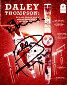 carte postale avec autographe de Daley Thompson, champion olympique décathlonien