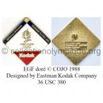 37 01 Club Top pin's Kodak doré émail grand feu signé © COJO 1988 designed by Eastman Kodak Company 36 USC 380