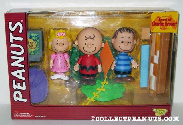 Sally, Charlie Brown and Linus Playset