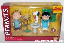 Pigpen, Lucy, Snoopy and Woodstock Playset