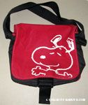 Snoopy with outstretched arms Red Messenger Bag