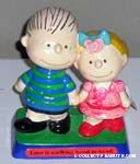 Linus and Sally holding hands Figurescene