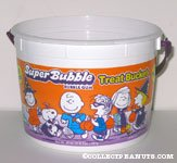 Super Bubble Bubble Gum Peanuts Treat Bucket