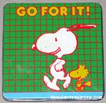 Snoopy & Woodstock Jogging on green grid Tin Colored Pencil Case