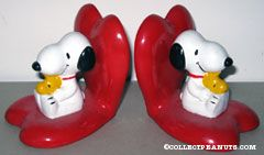 Snoopy and Woodstock sitting on hearts Bookends