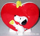 Snoopy holding Flowers Planter