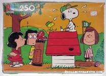 Peanuts Playing Golf Puzzle