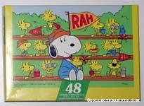 Snoopy and Woodstock in stands